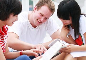 05 cách hay ho giúp kéo dài cuộc nói chuyện với người bản ngữ