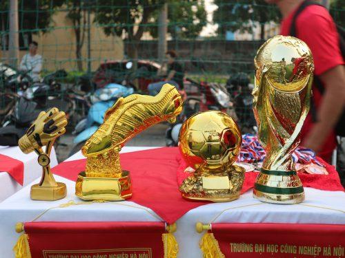 ecorp nhà tài trợ vàng giải bóng đá nam sinh khoa điện HAUI