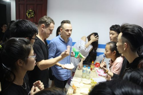 Ecorp English - Học tiếng Anh với giáo viên nước ngoài