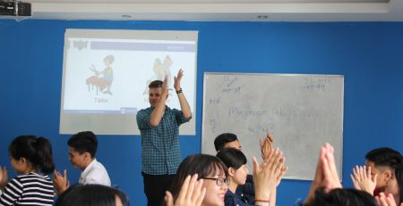Học với người nước ngoài - KInh nghiệm học tiếng Anh 3