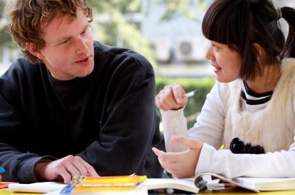 phương pháp giao tiếp với người nước ngoài